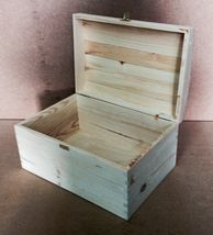 Giant Pine Wood Treasure Chest